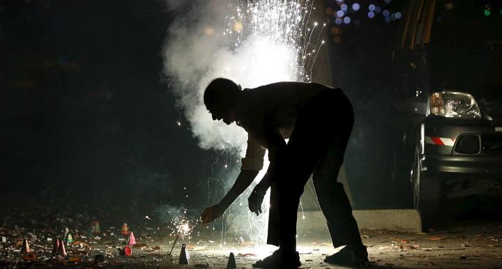 Firecrackers in delhi