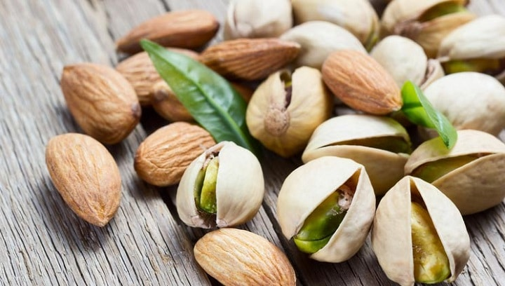 almonds: food combination for weight loss