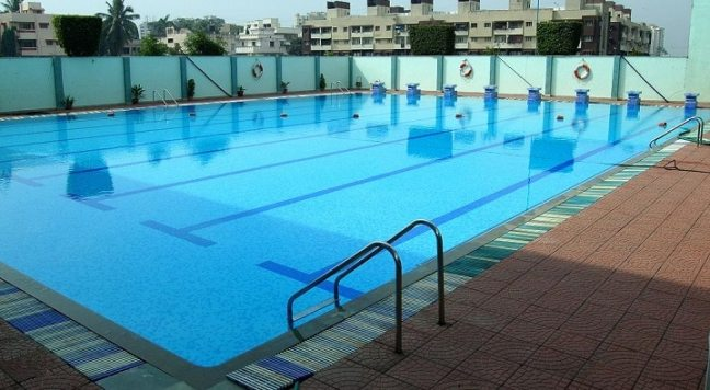 Noida Golf Course: best swimming pool in Noida