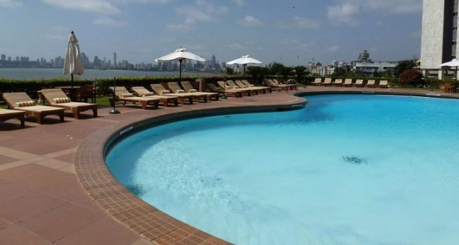 Trident Mumbai Nariman Point: swimming pools in south mumbai