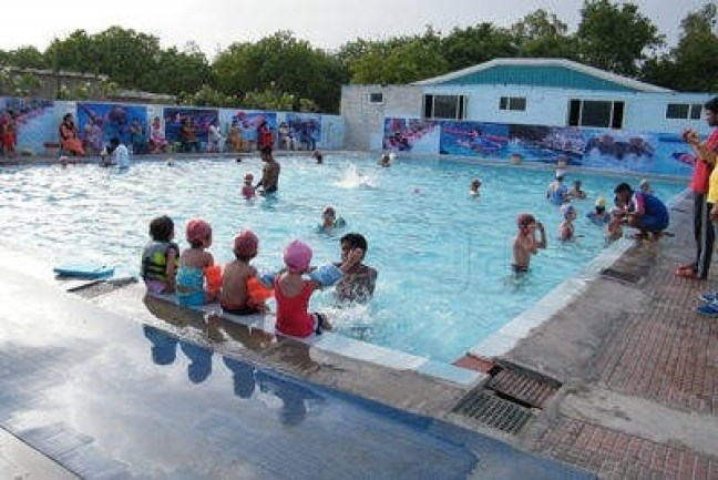 escort swimmin pool: swimming classes in faridabad