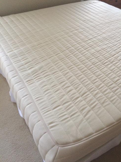 Bed Underneath The Mattress Sleep On Latex