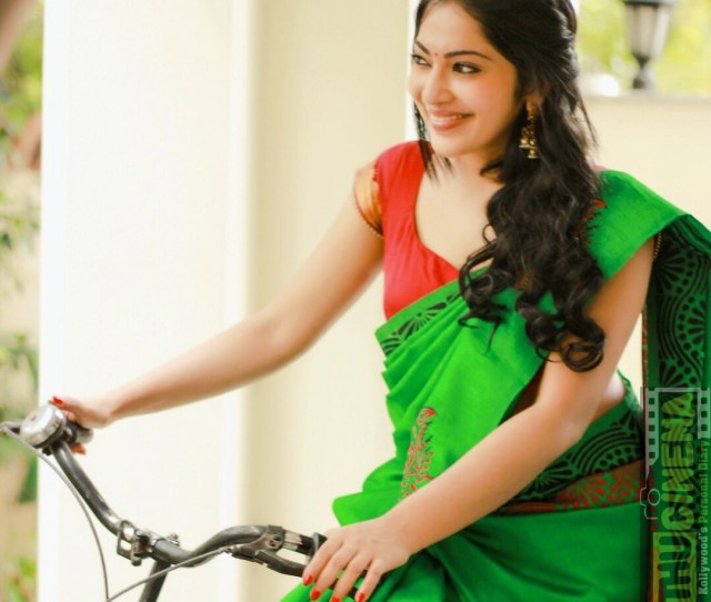 Ramya Subramanian  Cute Pictures With Hd Wallpapers