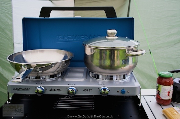 campingaz kitchen cabinet packages 400 st review a wind resistant stove get out with the plenty of room for big pans on