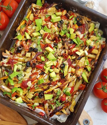 VEGAN OVEN-BAKED LOADED FRIES