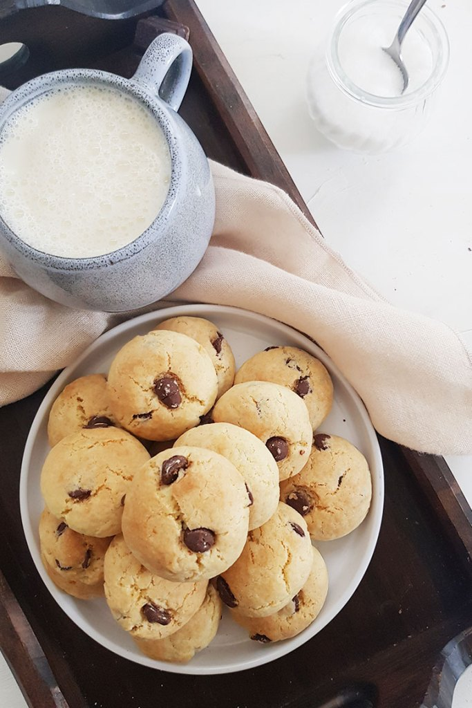 eggless chocolate chip cookies served with oat milk
