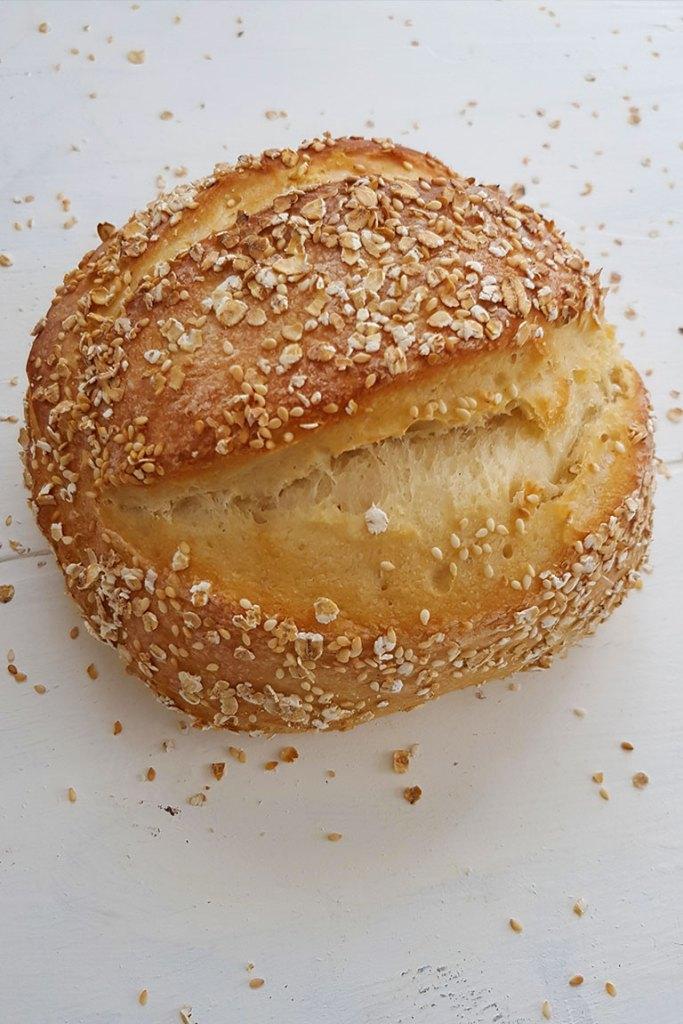 No Knead Artisan Bread Loaf