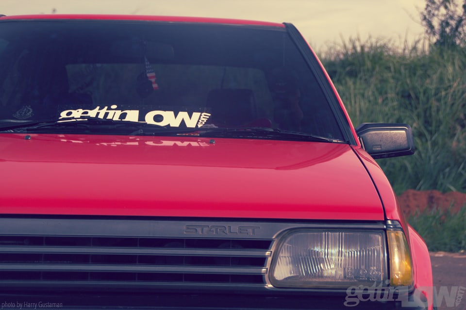 red toyota starlet 2