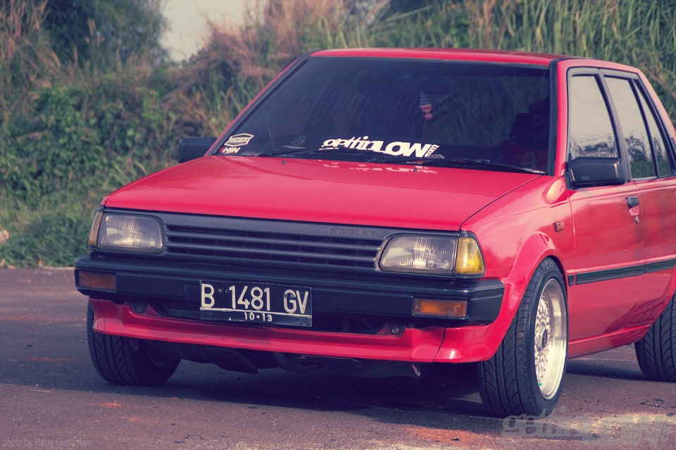 red toyota starlet 8