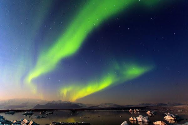 冰与火之地——北极光