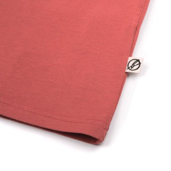 bleed-clothing-1616-dot-logo-t-shirt-rot-detail-03