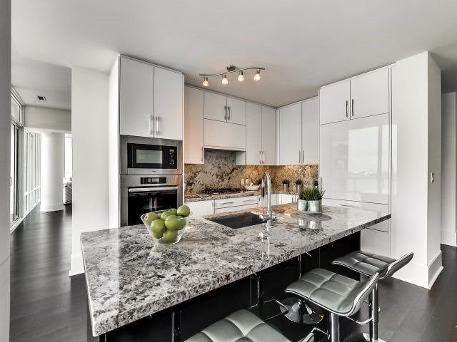 Awesome Waterfront toronto condo