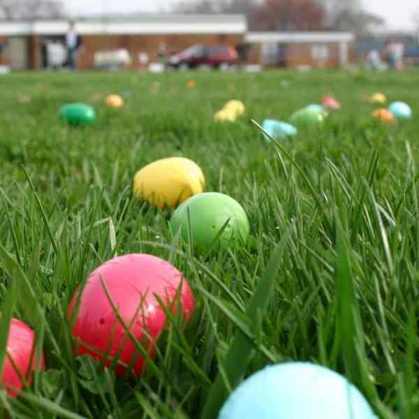 10 Ways To Make A Creative Easter Egg Hunt with tips and ideas to have it be really creative.