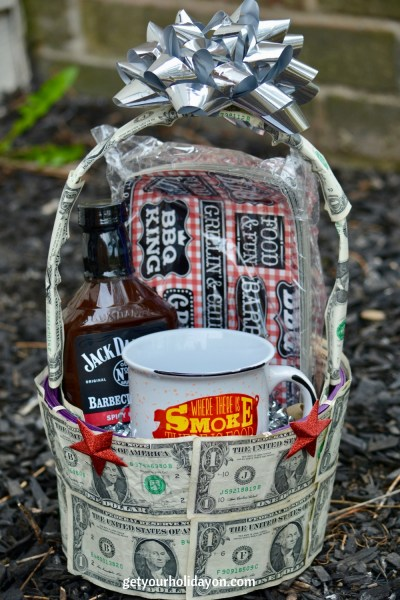 Are you planning a celebration or need inspiration for a gift idea? Check out this money gift basket idea for Father's Day, Anniversary, Birthday or other celebration. This BBQ Money Gift Basket will be sure to please any dad, spouse, or friend.