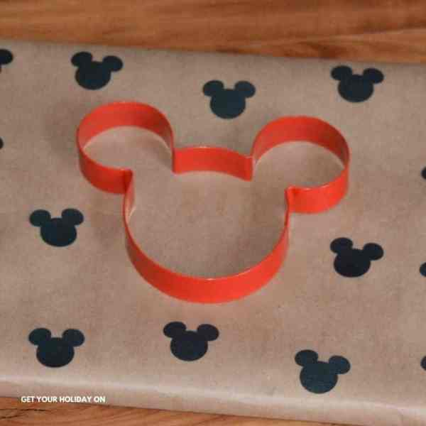 wrapping paper gift ideas for family crafts.