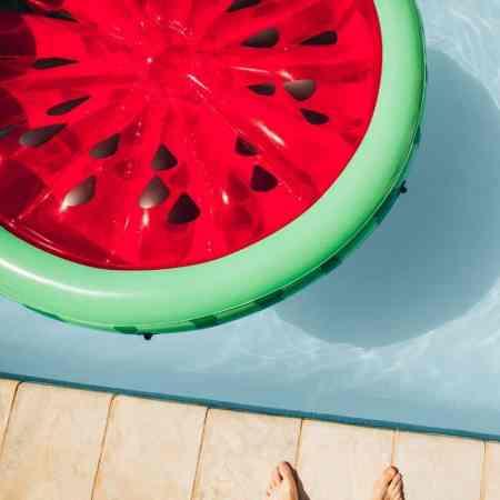 BEST POOL FLOATS #pool #swimming