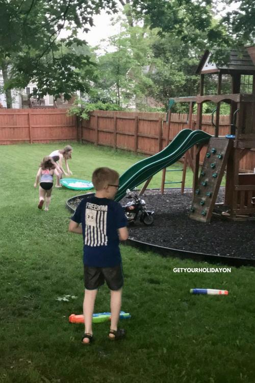 Tips & Tricks for How To make A Water Balloon Fight Easier #sandbox #waterballoons #kids #parenting