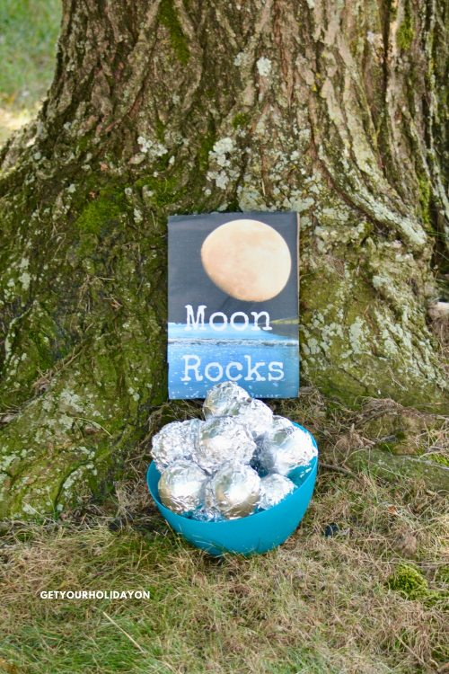 The rules are very simple! If there are both younger and older children playing the moon rock hunt game. You can choose to allow the younger players to have a head start to let them find their moon rocks before the older kids begin. #reading #learning #teaching #classroom
