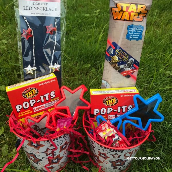 Have you been trying to figure out where to get party favors? Look no further because these DIY Patriotic Party Favors to Makeideas are the talk of the TOWN. Discover party trinkets to add, the party supplies to use, and the popular party favor ideas for a 4th of July party or patriotic celebration. #partyfavors #babyshower #party #diycrafts