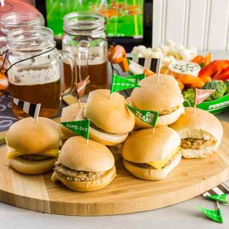 NFL Football Easy Super Bowl Snacks for foodies! #play #party #NFL #superbowlsnacks