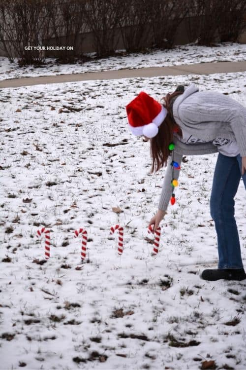how to play a game with candy canes