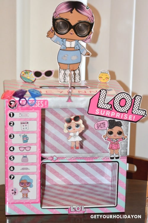 Do you want to know how I got thisLOL Doll Valentine Box for free? We've got the scoop for you! #momlife #loldolls #kids #cardbox