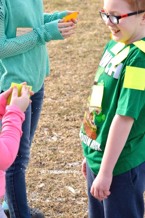 Ready, get set, go! How to Play Post-a-Leprechaun Game #momlife #party #partyplanner #diys