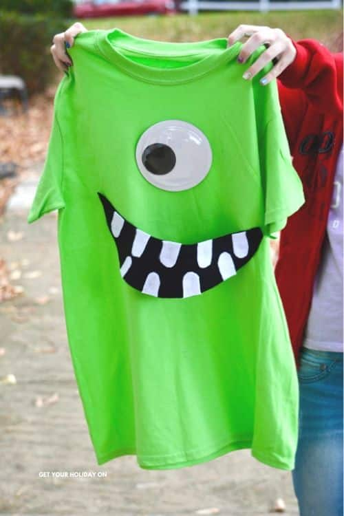 Mike Wazowski Disney World t-shirt craft idea. Homemade mike wazowski costume.