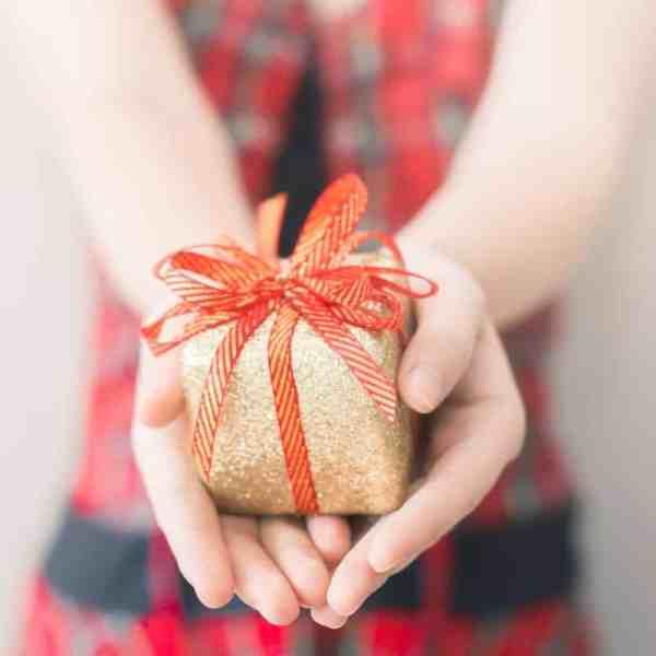 Fun gift exchange ideas for Christmas! #motherhood #momlife #family #gifts