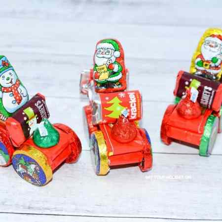 candy Santa sleigh for a Pinterest Santa sleigh candy idea.