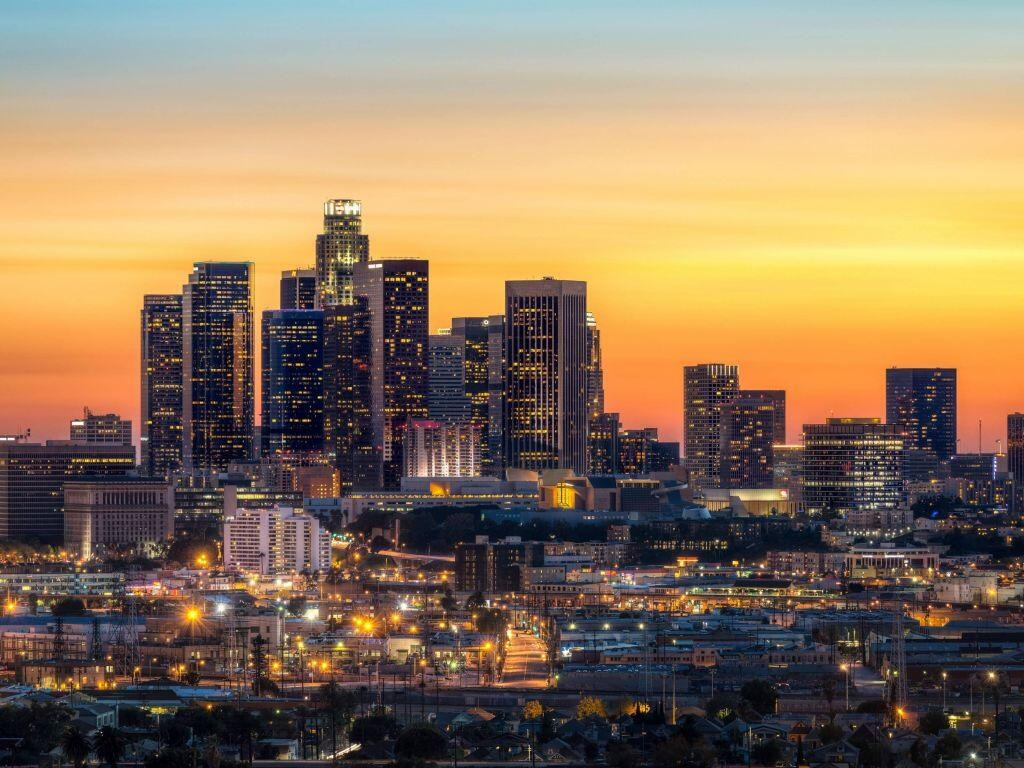 Las Vegastan Los Angelesa kadar olan mesafe, yolun özellikleri