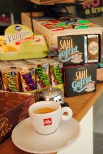 illy kahve Sahi gofret