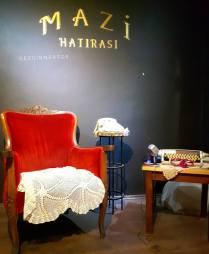 Mazi Plak Cafe retro sahnesi