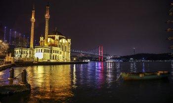 Ortaköy camii gece görseli