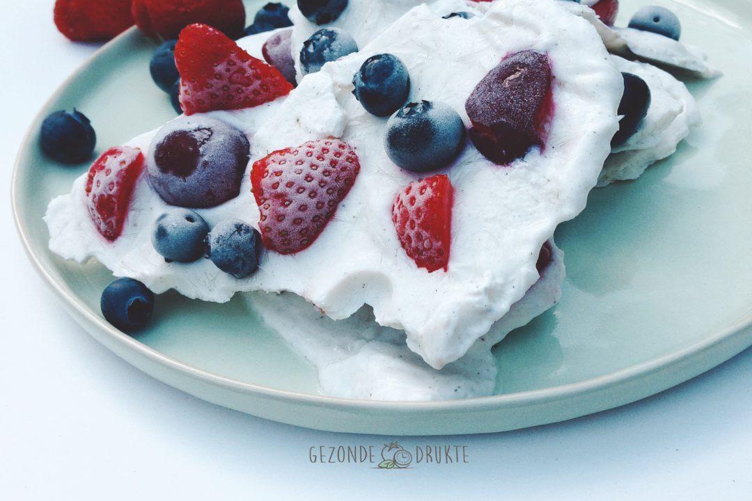 Frozen yoghurt snack