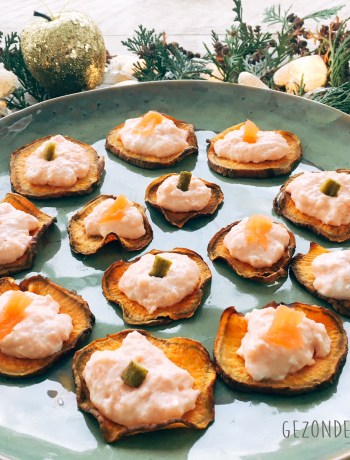 Zoete aardappel crostini's met zalmmousse gezond gezonde drukte aperitief