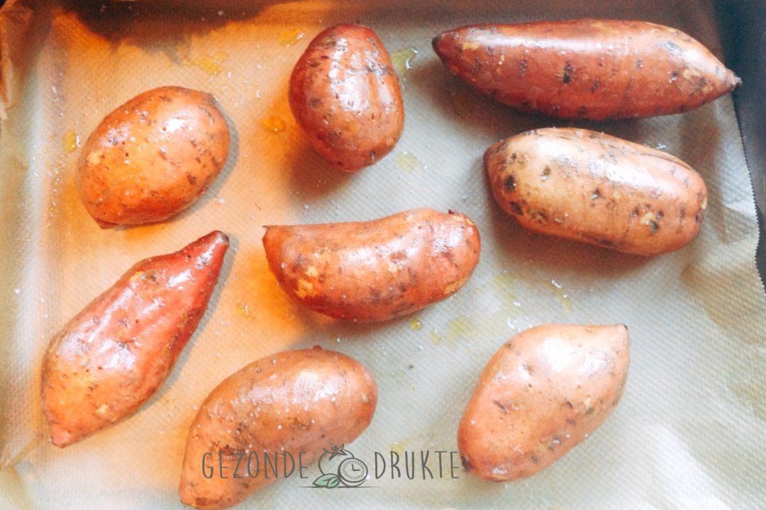 Zoete aardappel gevuld jacket potatoe