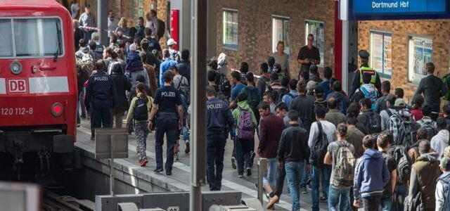 German authorities deport 22 Tunisians including Islamic State suspect
