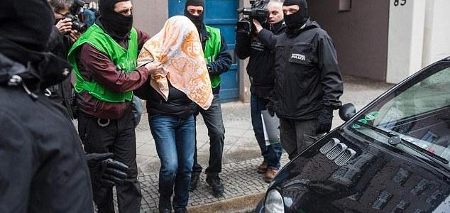 Germany arrests two suspected ISIS extremists from Syria