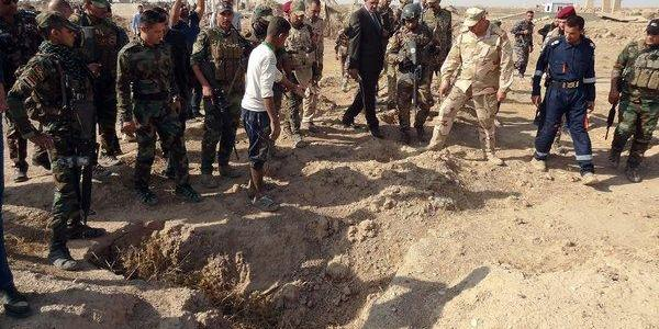 ISIS terrorists carried out a mass execution on the Syrian–Iraqi border