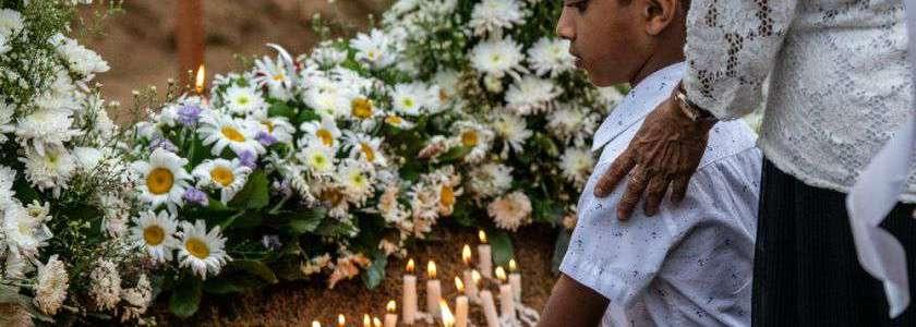 Pregnant wife of Sri Lankan suicide bomber detonates bomb as police raid home