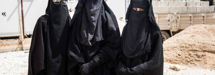 Three Spanish ISIS wives speak that they just want to get out of the fallen caliphate