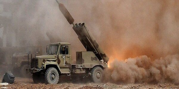 Syrian Army destroys terrorists supply routes in Hama