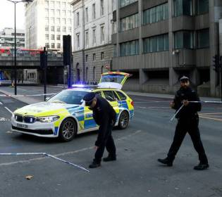 LLL - GFATF - UK police confirm that man is shot dead in terrorism incident at London Bridge