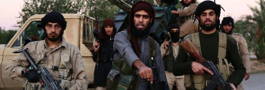 Islamic State terrorists target military vehicles of the regime and Iranian-backed militias