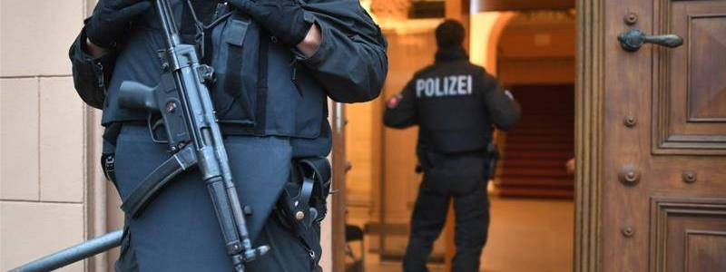 German authorities put Syrian woman on trial over Islamic State marriages