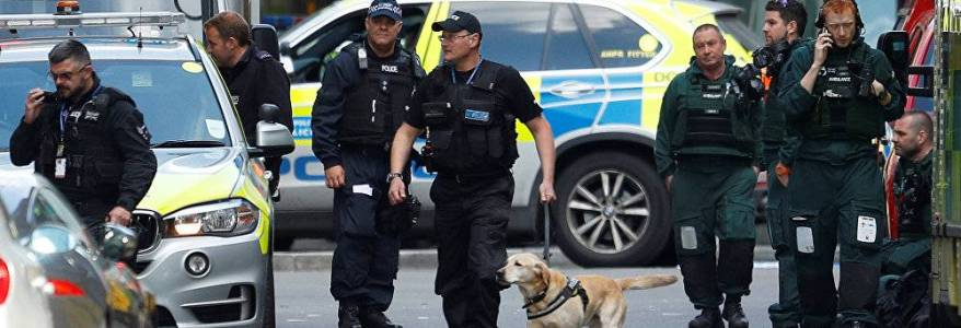 London Bridge station evacuated over suspicious item on train