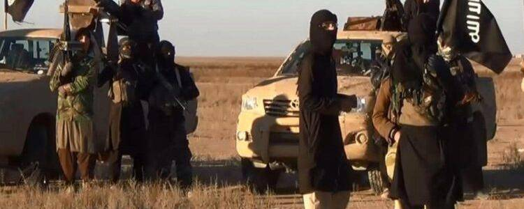 Islamic State terrorists kidnapped three civilians and stealed their property