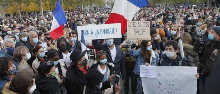 Anti-terrorism raids underway after teacher's beheading in Paris