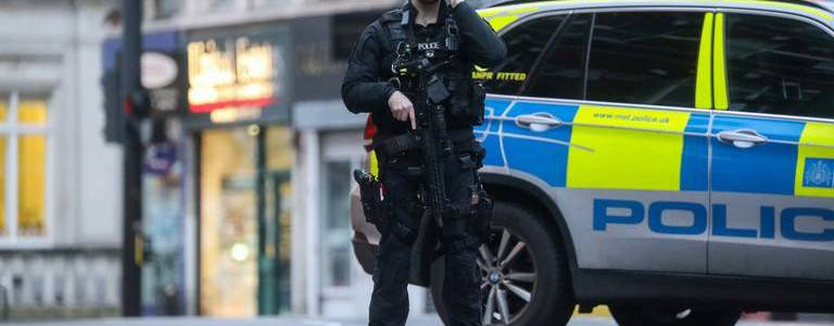 London police authorities to increase armed patrols due to severe terrorist threat
